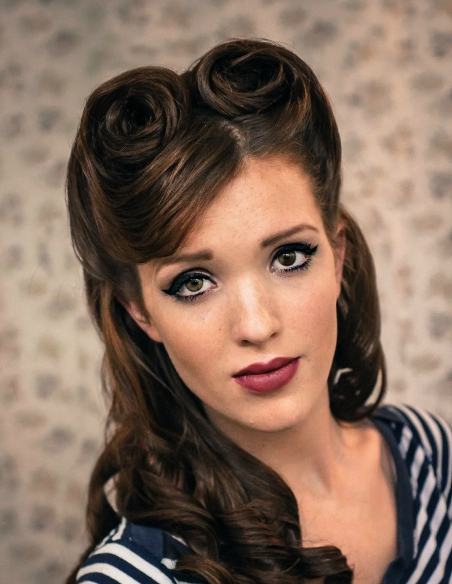 pin-up-hairstyles-with-bangs-17