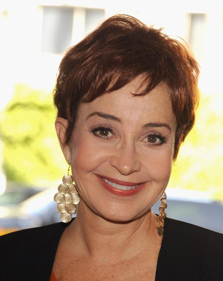 pixie hairstyles for women over 50 photo - 12