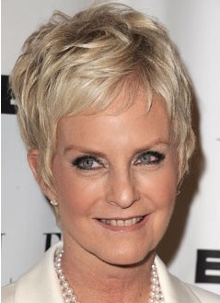 pixie hairstyles for women over 50 photo - 17
