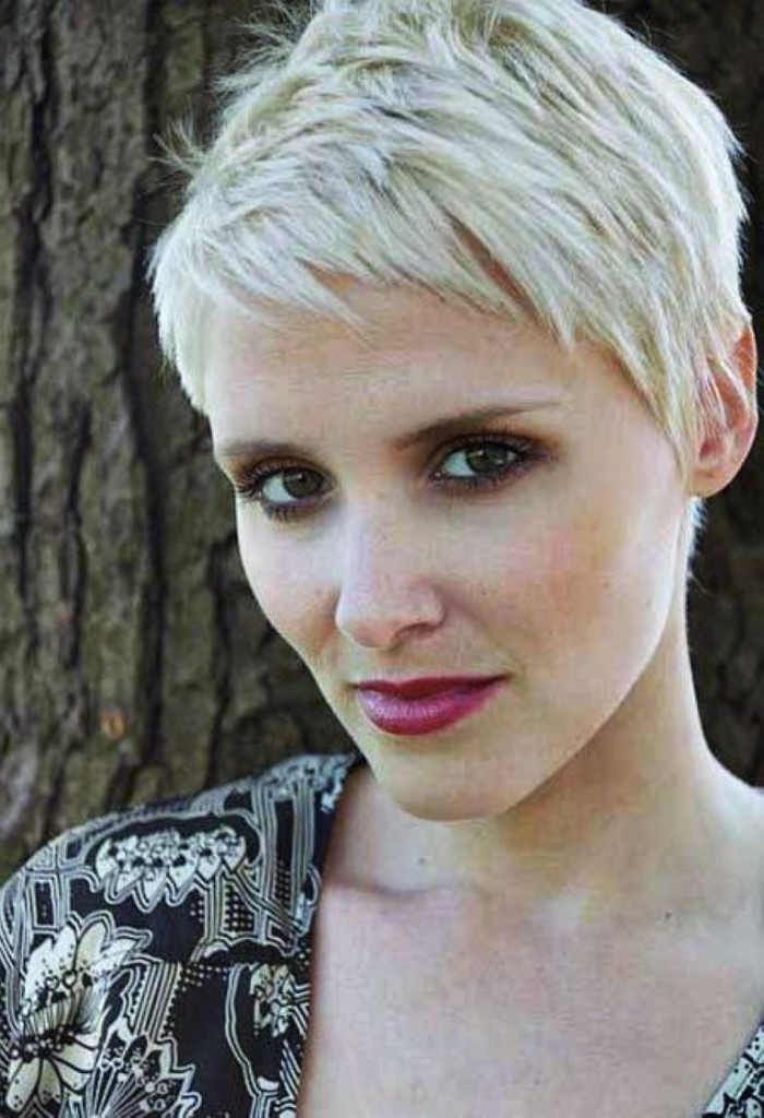pixie hairstyles with long bangs - 13
