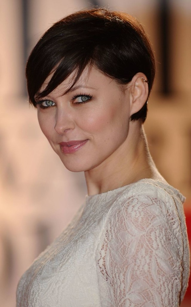 pixie hairstyles with long bangs - 14