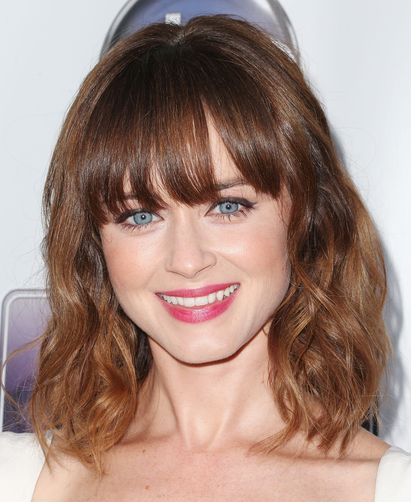 popular hairstyles with bangs - 5