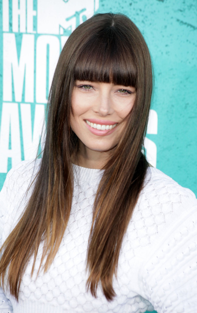 popular hairstyles with bangs - 9