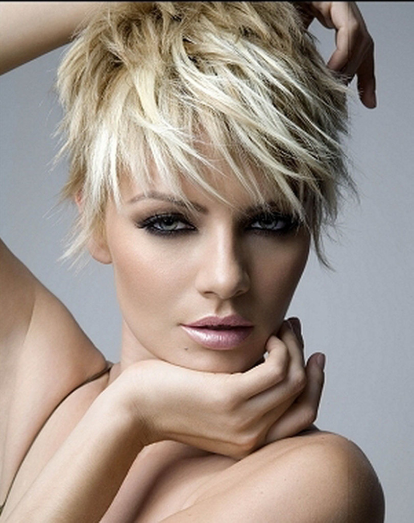 short-choppy-hairstyles-with-bangs-11
