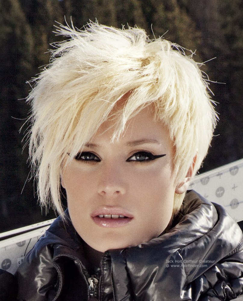 short-choppy-hairstyles-with-bangs-15