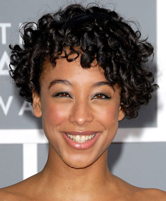 short-curly-hairstyles-for-black-women-30