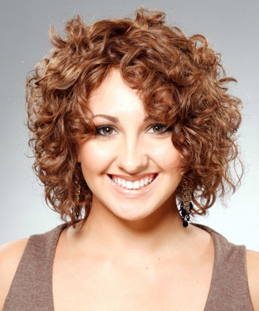 short-hairstyles-for-naturally-wavy-hair-18