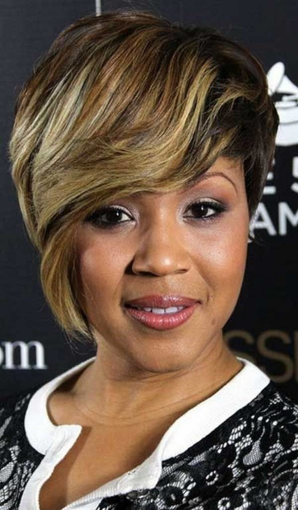 short-hairstyles-with-bangs-for-black-women-18