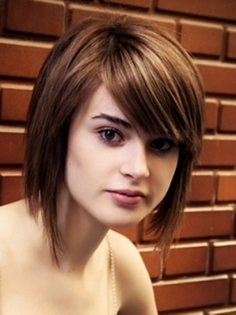 Top Best Short Hairstyles Bangs Round Faces