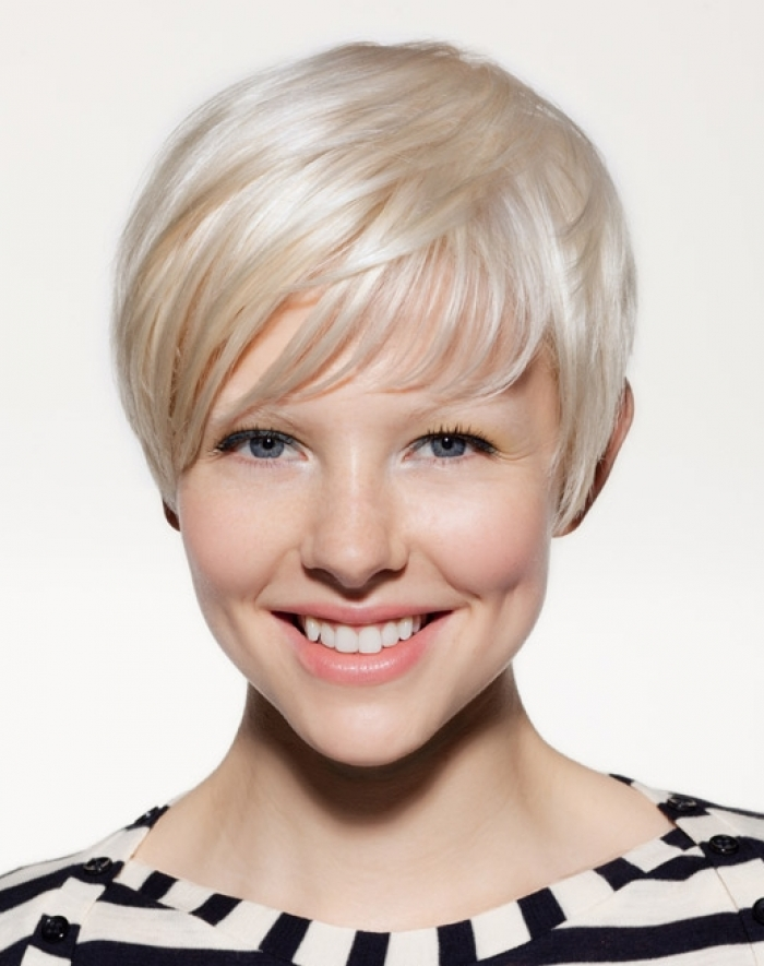 short-natural-blonde-hairstyles-14