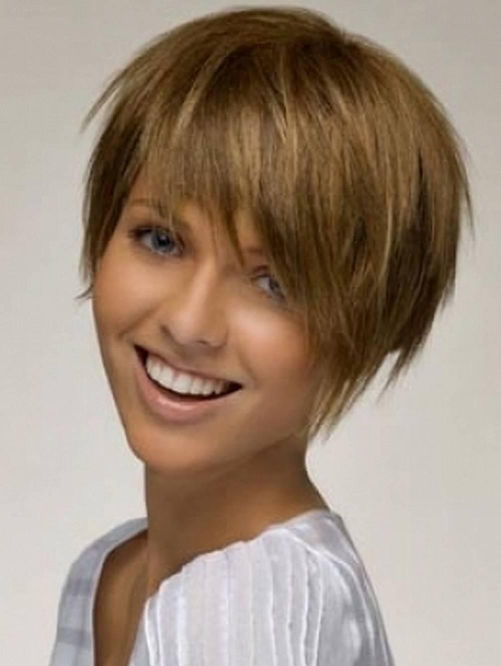 Прически на короткие волосы для молодых