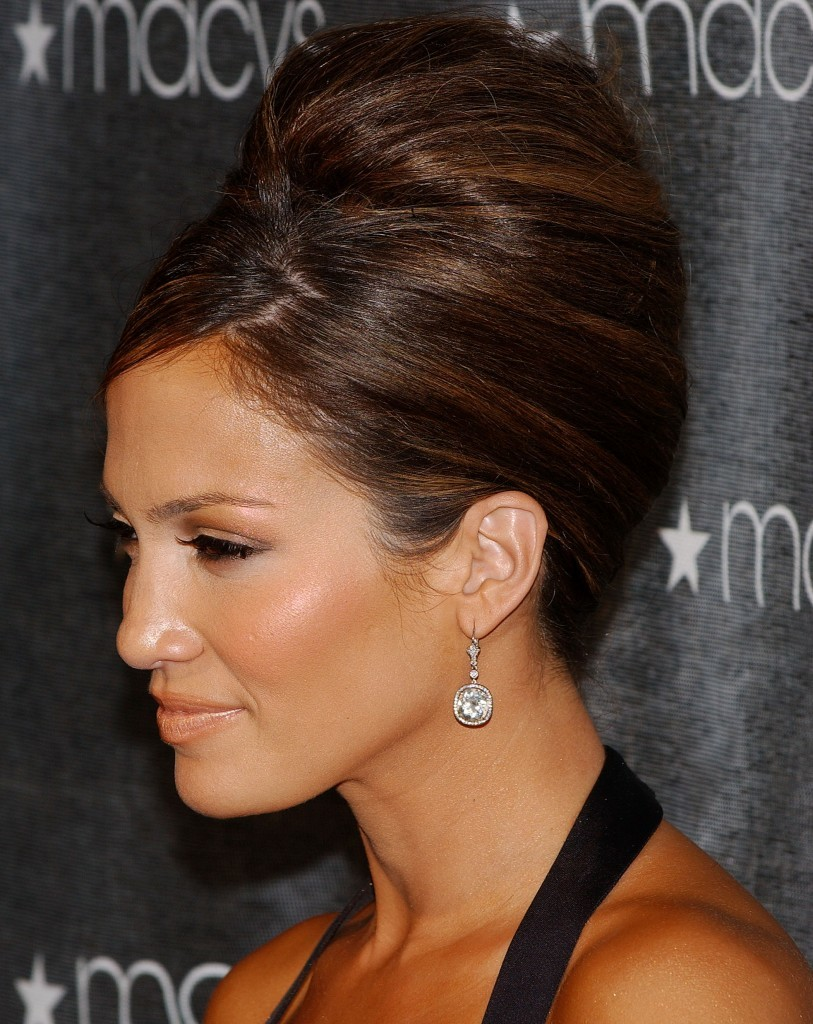 updo-hairstyles-with-bangs-12