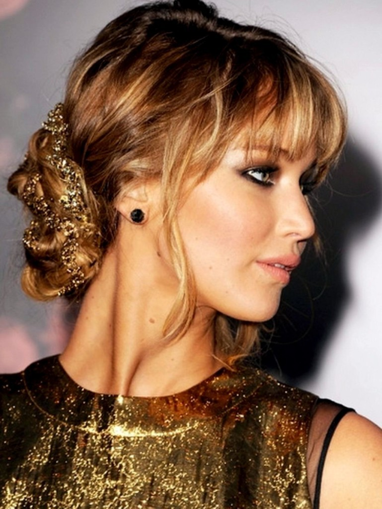 updo-hairstyles-with-bangs-17