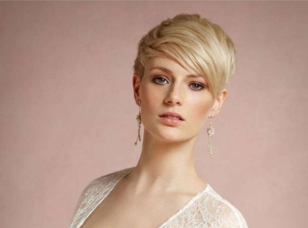Причёска на очень короткие волосы с челкой на свадьбу