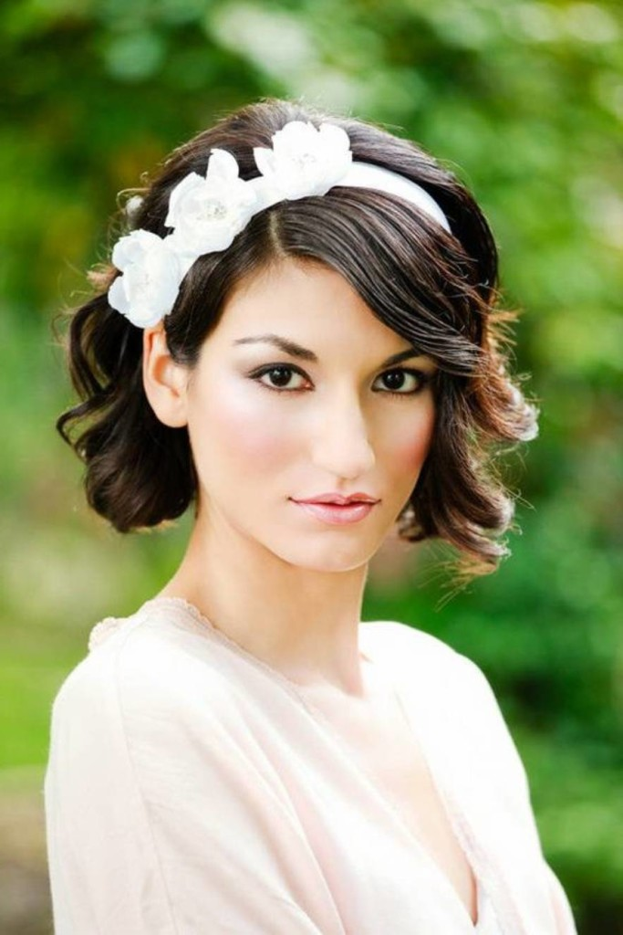 wedding-hairstyles-with-bangs-17