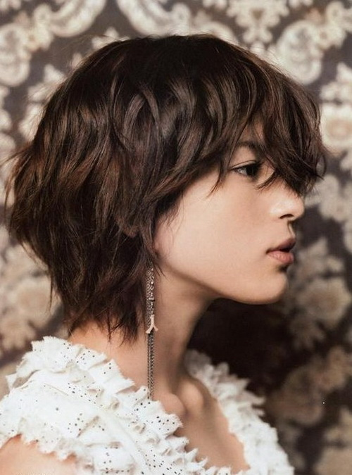 Layered-short-haircuts-photo-13
