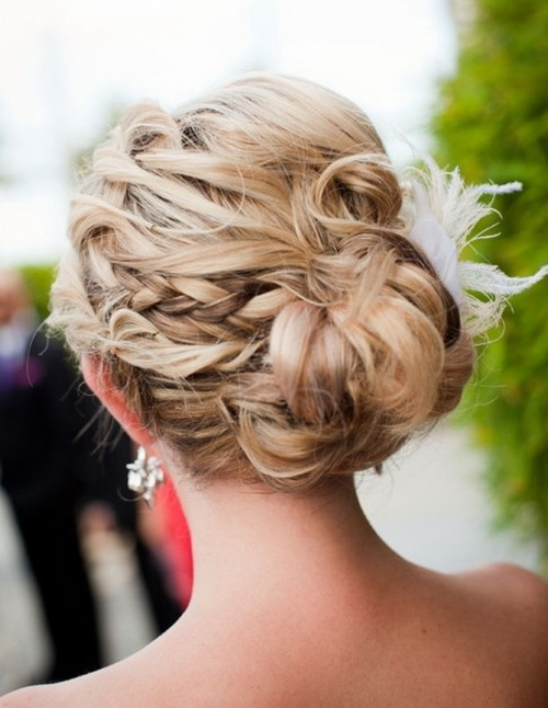 Updos-for-prom-photo-18