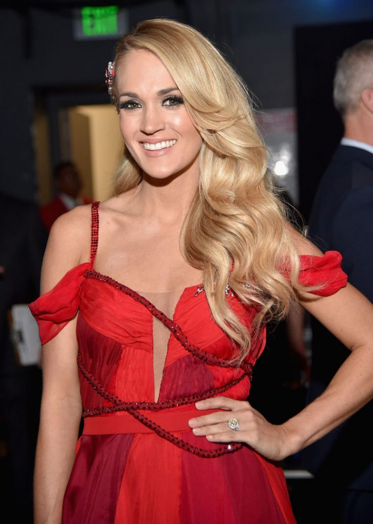 TOP 33 – Carrie Underwood HairCut – HairStyles for Women