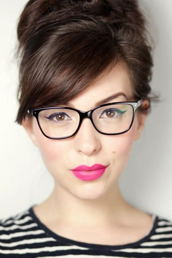 f8c8e3560ee Top 30 HairStyles with Bangs and Glasses