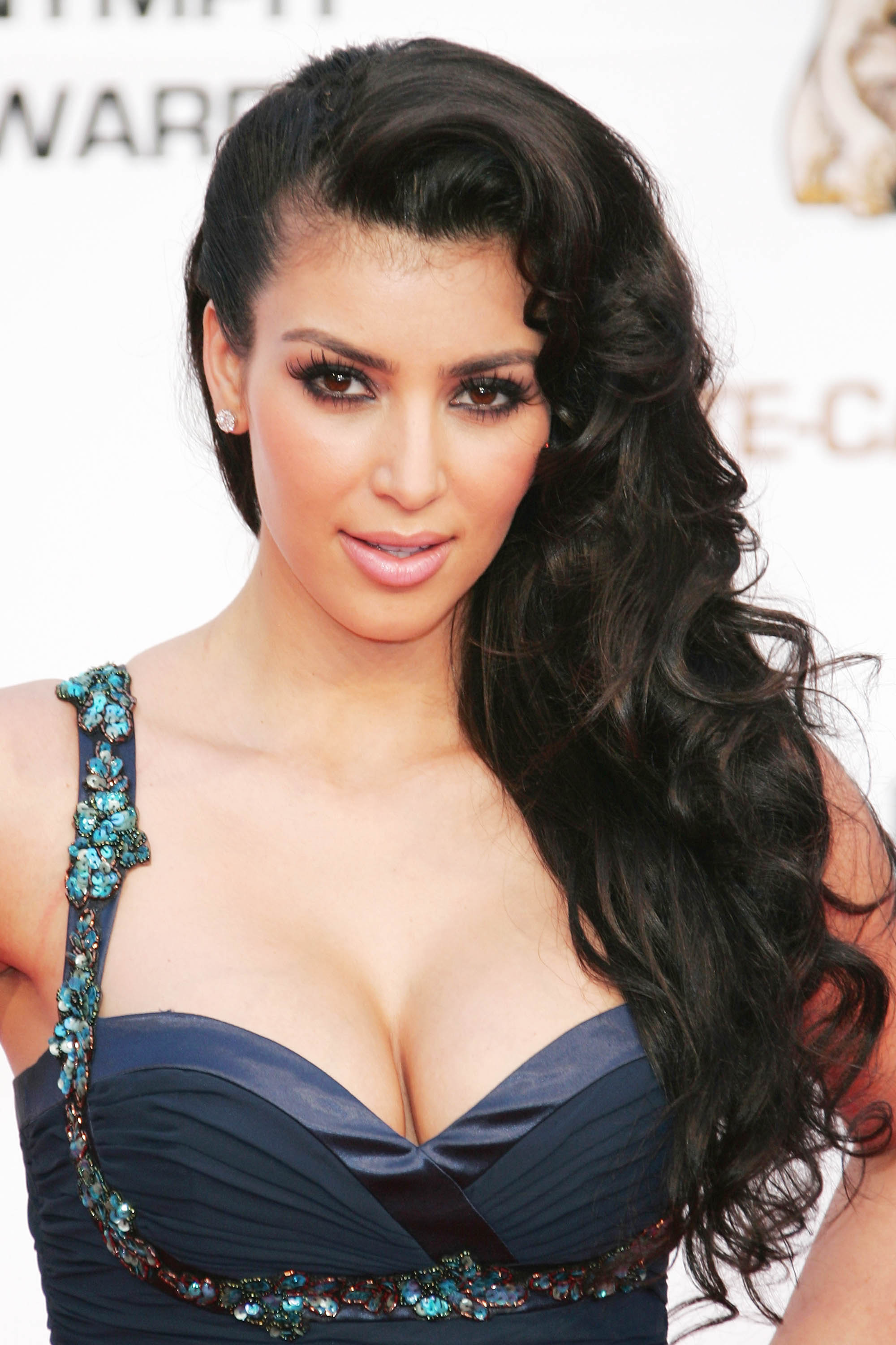 Top 25 Hairstyles by Kim Kardashian - HairStyles for Women