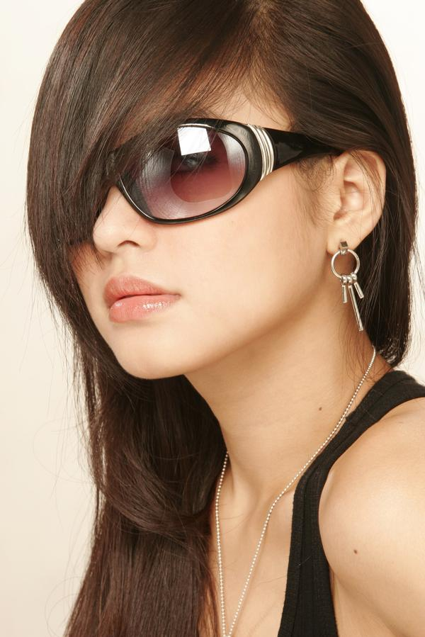 bangs with glasses hairstyles photo - 7