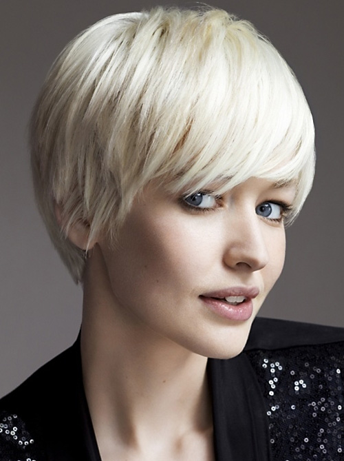 best short hairstyles for women over 50 photo - 7