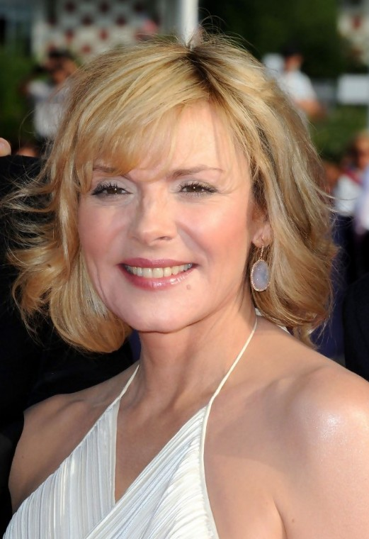 best short hairstyles for women over 50 photo - 8