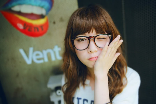 hairstyles with bangs and glasses photo - 5