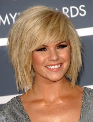 hairstyles with feathered bangs photo - 5