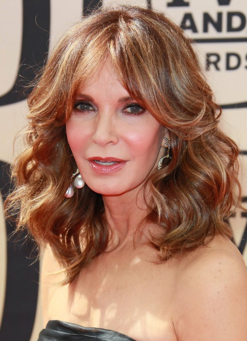 layered hairstyles for women over 50 photo - 6