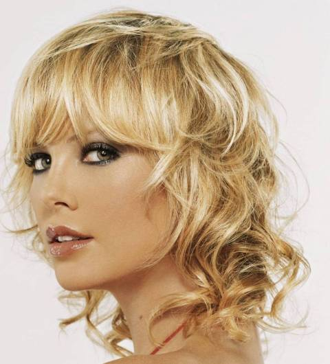 medium curly hairstyles photo - 2