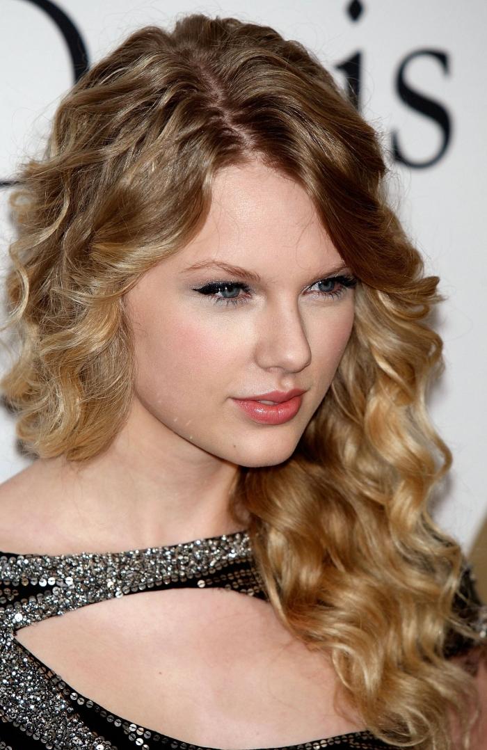 medium curly hairstyles photo - 5
