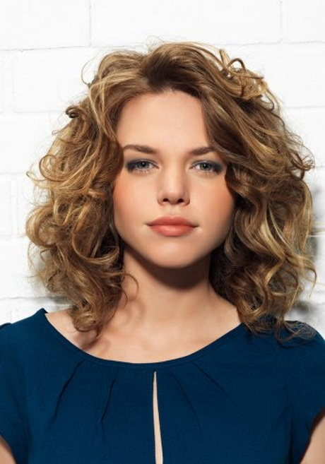 medium curly hairstyles photo - 8