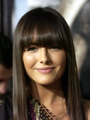 medium hairstyles with bangs for round faces photo - 7