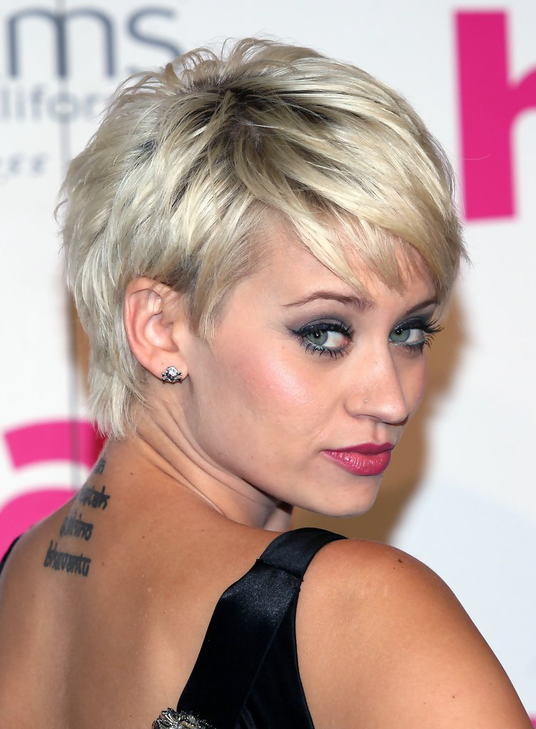 pixie hairstyles with bangs photo - 10
