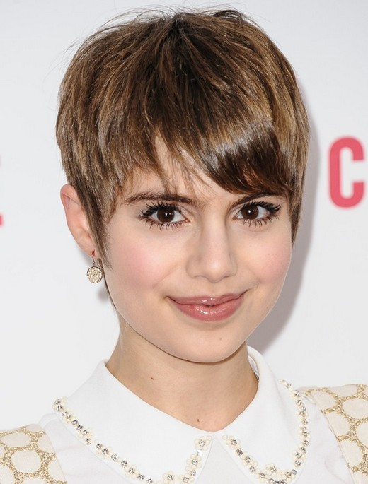 short hairstyle with long bangs photo - 5