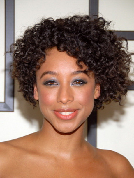 short natural curly hairstyles photo - 9