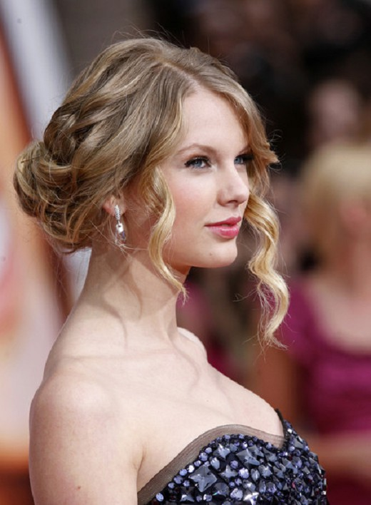 updo hairstyles with bangs photo - 7