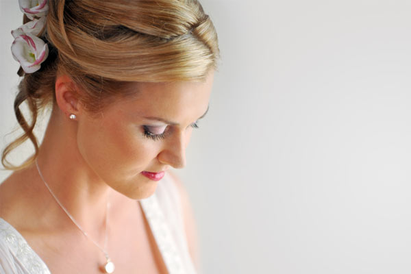 wedding hairstyles for thin hair photo - 1