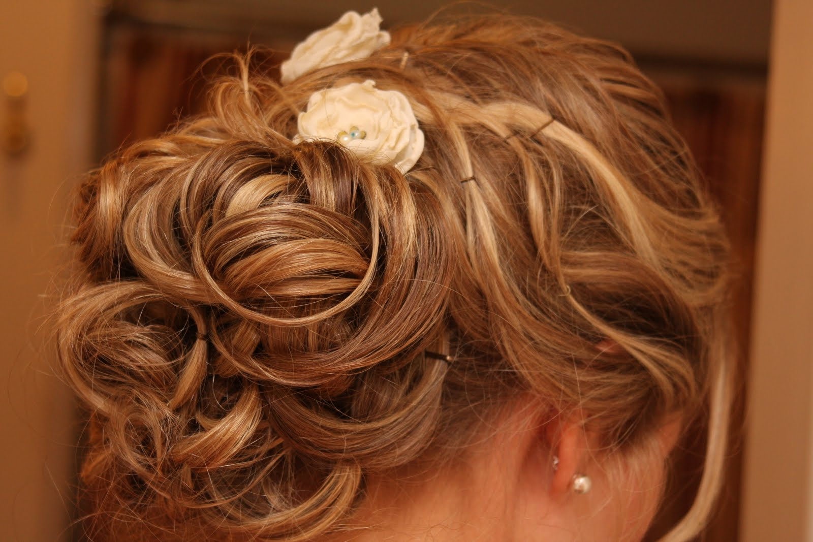wedding hairstyles for thin hair photo - 5
