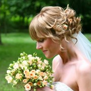 wedding hairstyles with bangs photo - 8